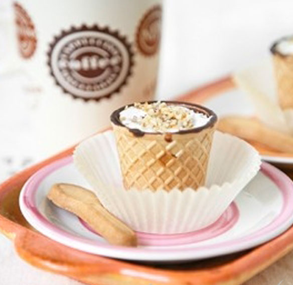Chocup® with Nutella espresso, whipped cream and hazelnuts